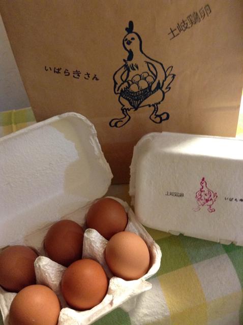 土岐鶏卵のパッケージとたまご
