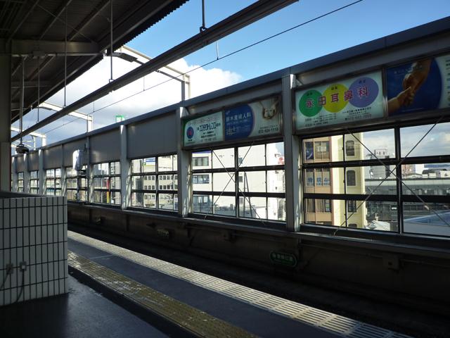 阪急茨木市ホーム風景
