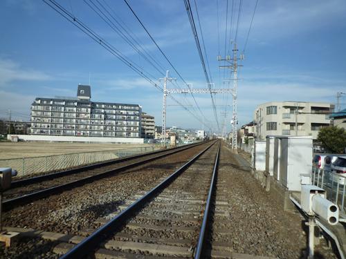 阪急南茨木近くの踏切