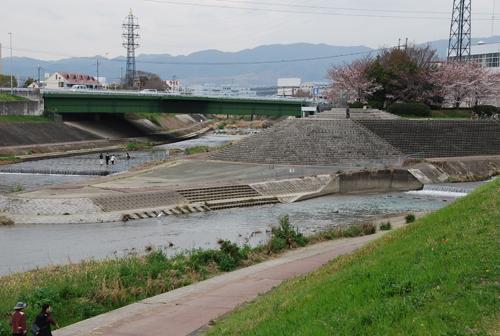 安威川と茨木川の合流