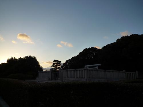 茨木茶臼山古墳の夕暮れ