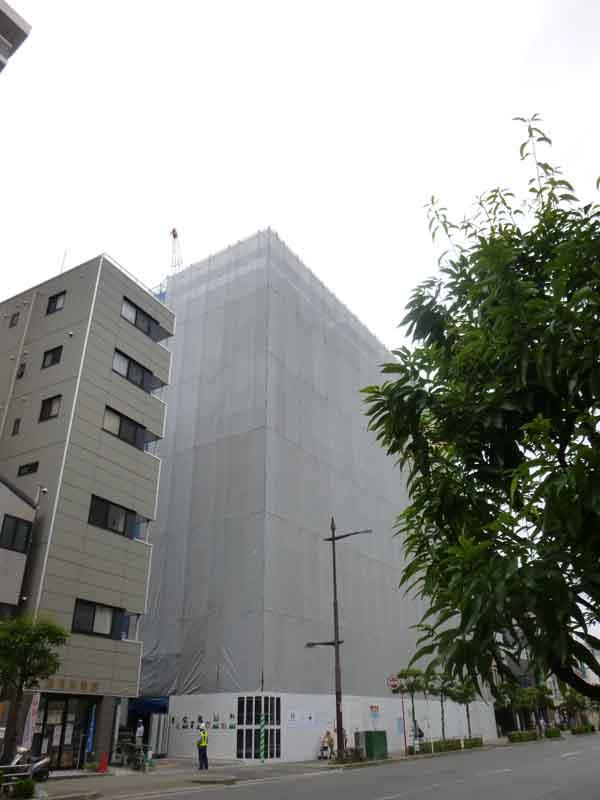 kkキタ大阪銀行工事エキスポロードから2P1000870