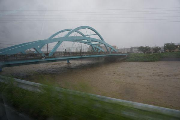 kk安威川の橋のところDSC04350