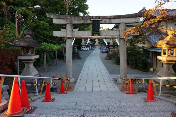 茨木神社正面2014-10