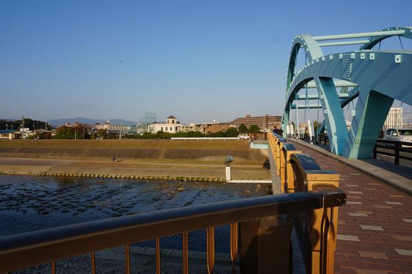 安威川渡るDSC06822