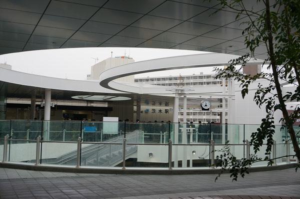 JR茨木東口全景2DSC00081