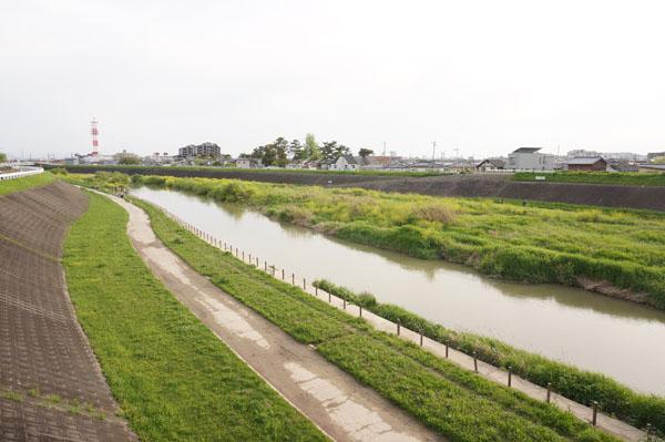 茨木市学園町から安威川