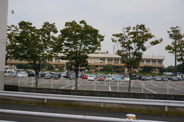 万博東駐車場DSC03951