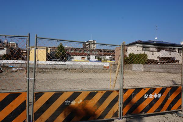 1023掘廣旭堂横から後ろの駐車場
