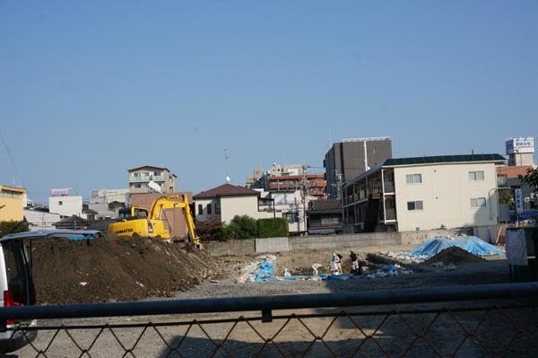 1023掘廣旭堂後ろの駐車場工事の様子DSC04417