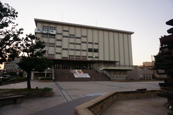 茨木市民会館外観