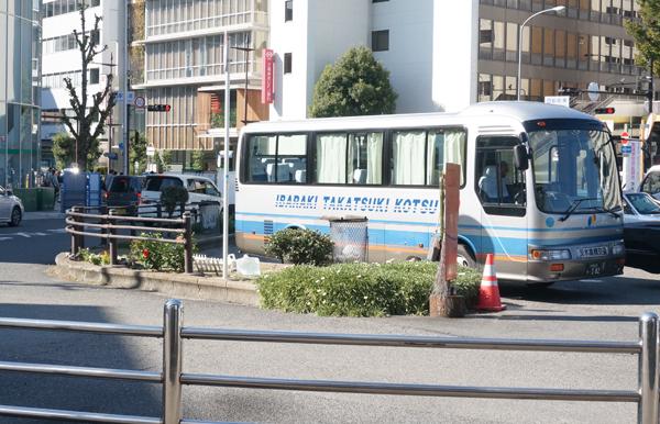 JR茨木西側ロータリーの花壇