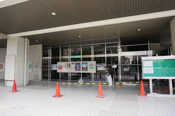 茨木市民会館一階当たりの工事
