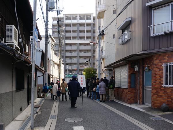 茨木神社のローズワム側最後尾
