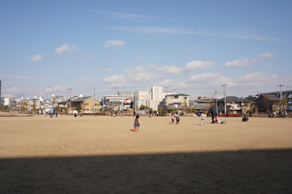 岩倉公園で遊ぶこどもたちDSC06766