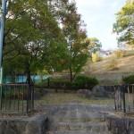 山手台初田古墳への入り口