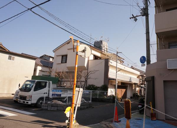 131茨木湯の煙突工事