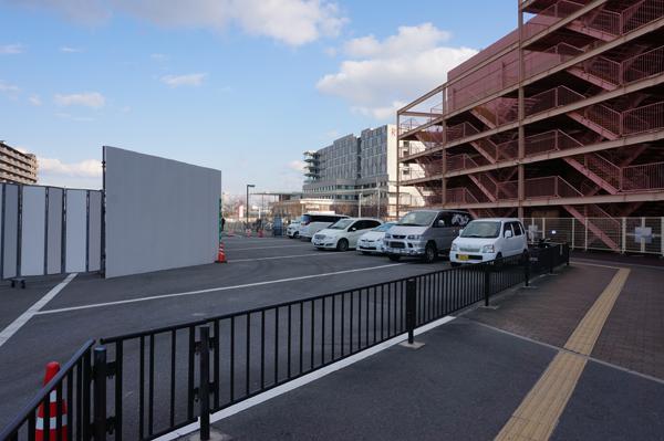 0301以前のバス停に車駐車