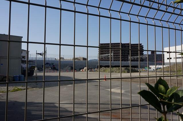 20160415JR総持寺駅工事を南側から