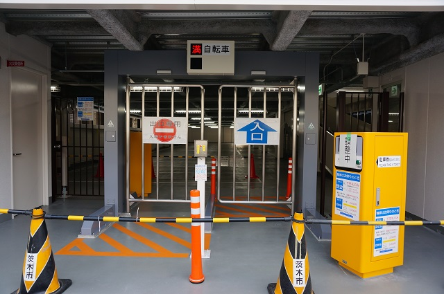別院町駐輪場入口