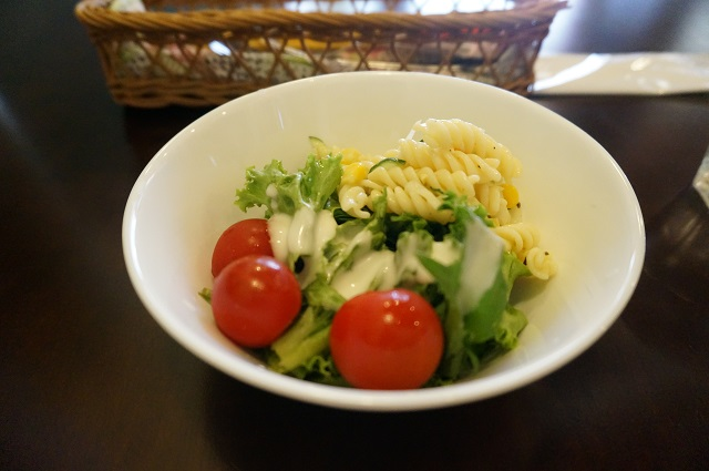 ハウスオブドレッドのランチのサラダ