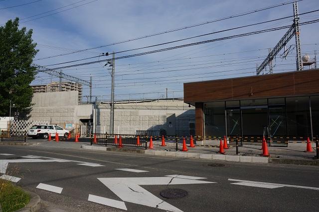 三島中横ファミマ左のトンネル入り口
