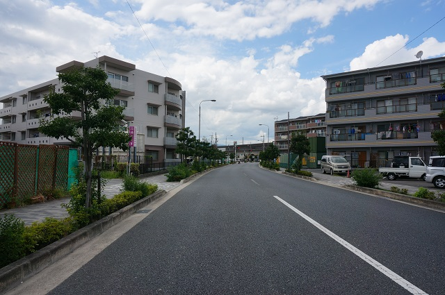 はま寿司向かって右茨木市街地方面