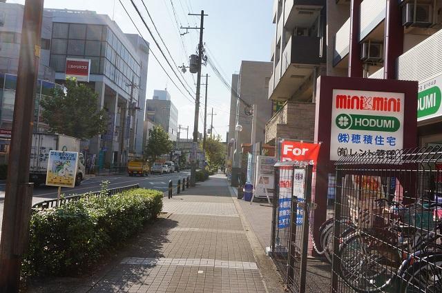 阪急茨木市駅そばコインランドリーから東西通り