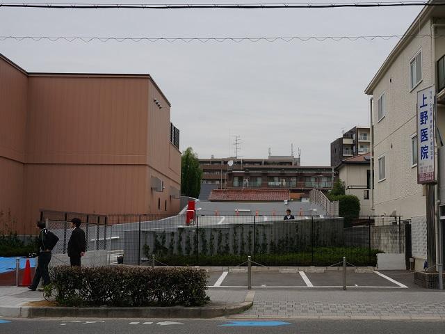 阪急オアシス大手町店の駐車場スロープ