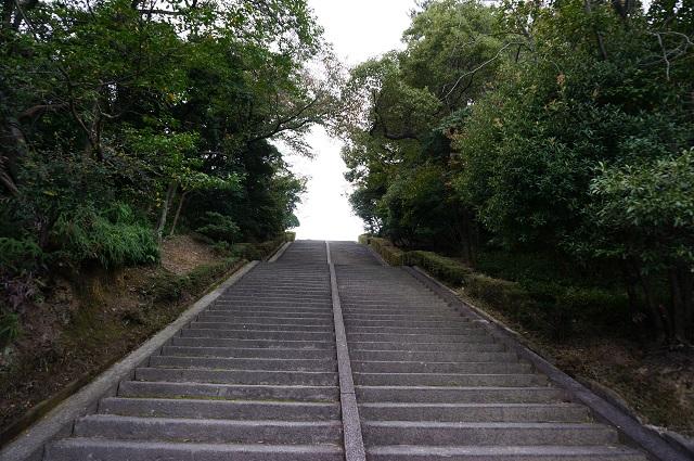 弁天さん階段アップ