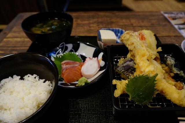 天ぷらとよのランチ定食