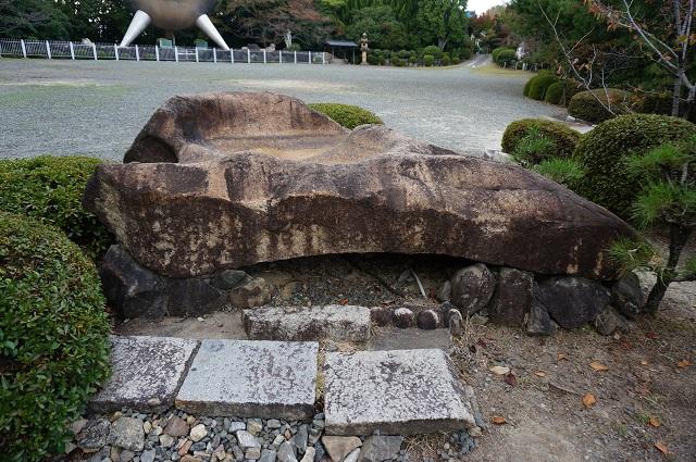 弁天さんにあった石3