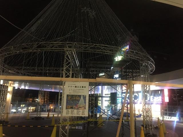 JR茨木スカイパレットで光の回廊工事