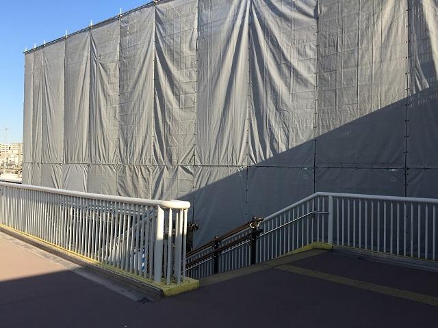 1203茨木駅西側の階段IMG_4915