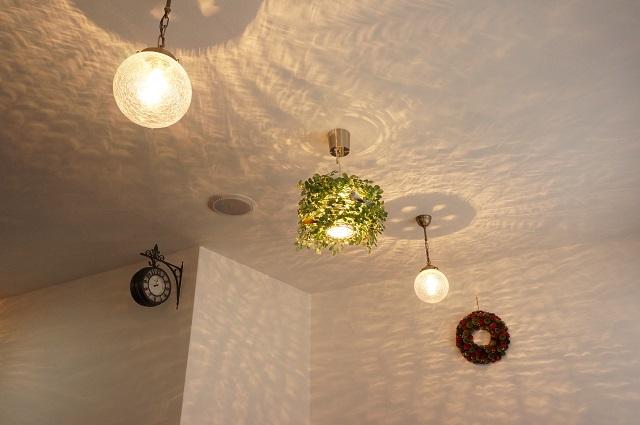 すみれカフェ店内の照明DSC03028