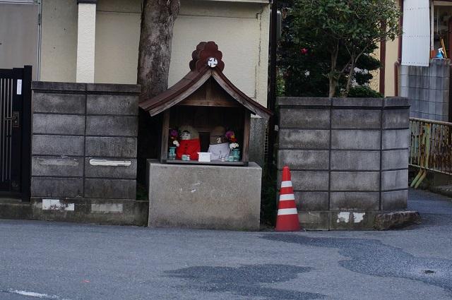 総持寺周辺の工事予定の道路にお地蔵さんDSC03441