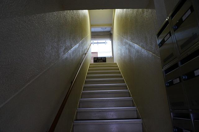 すみれカフェの階段下からDSC03043