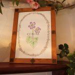 すみれカフェ店内の絵DSC03038