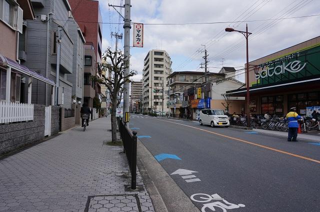 高瀬川通りサタケの前の歩道DSC04324