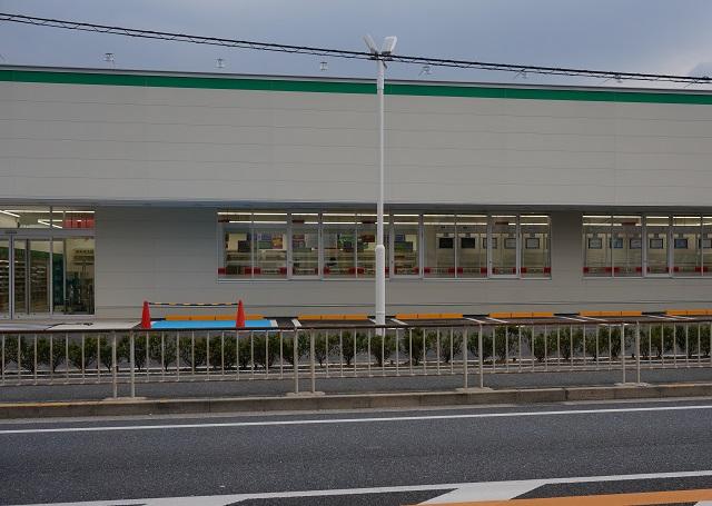 0127スギ薬局駐車場DSC03839