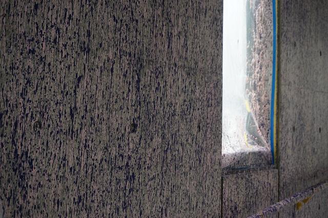 茨木市役所アート制作途中の壁DSC04835