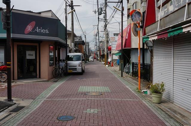 19阪急茨木本町通商店街その先北方面DSC05616