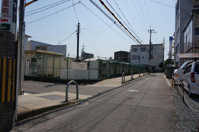 茨木別院の定期駐輪場のところDSC06446