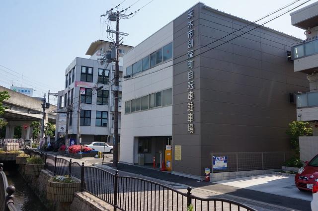 茨木別院駐輪場DSC06444