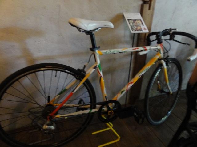 7ギャラリートークに自転車