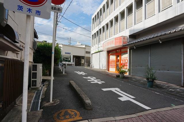 総持寺商店街から曲がったところDSC08433