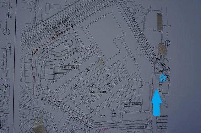 総持寺交番の南側から_2017年1月総持寺そばマンション地図