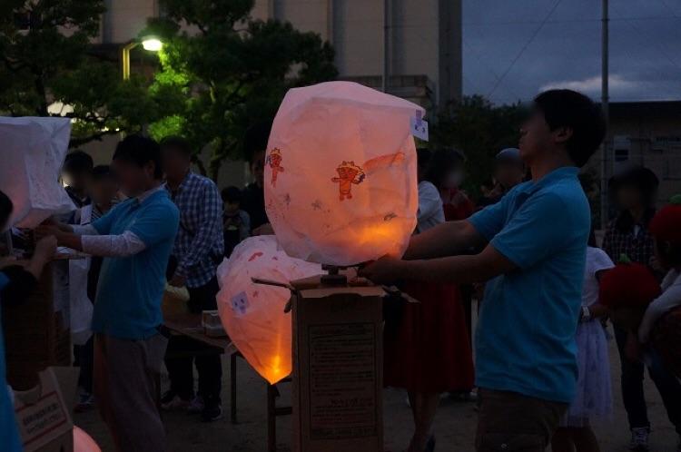 Ibarakiワンダフルタイムで風船を作ってる2DSC08902