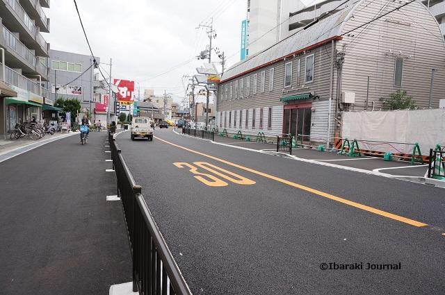 総持寺阪急のほうの道DSC09153