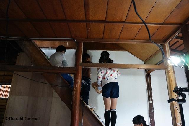 リノベいばらき階段の壁塗りDSC09713